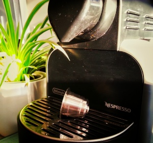 Britta_Work_DeLonghi EM 95.S Nespresso Essenza_03